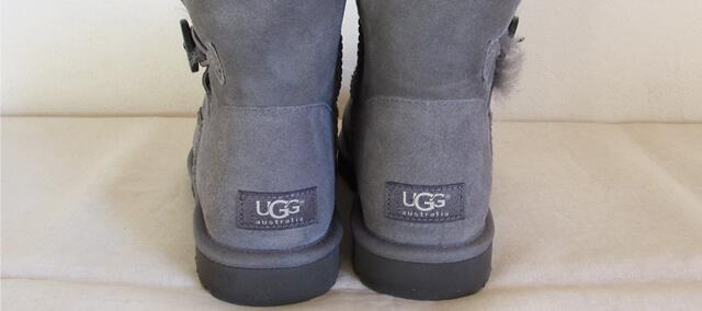 UGGの後ろ姿